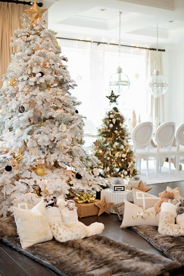 Glam Holiday Breakfast: Glitter Guide Feature