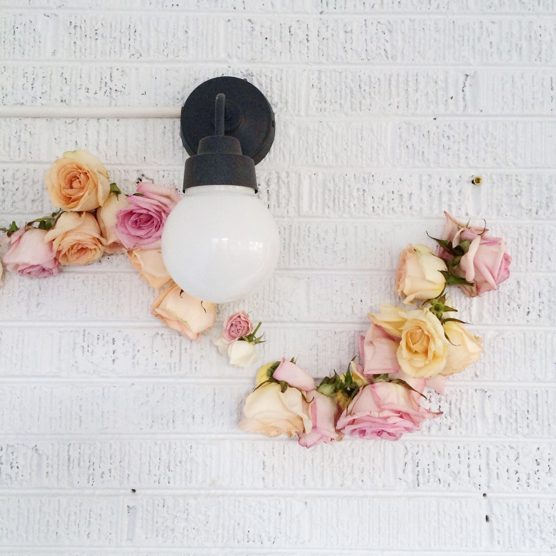 Simple & beautiful rose garland DIY