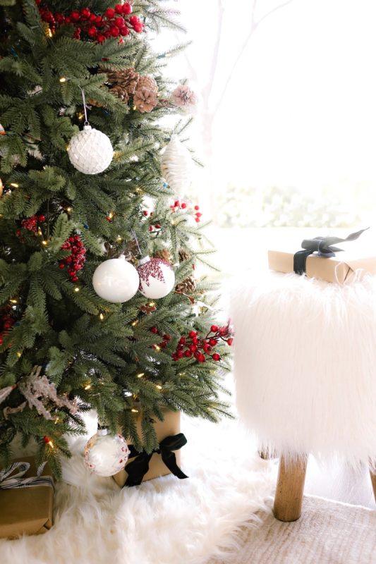 Balsam Hill Christmas Tree.A Balsam Hill And Hallmark Christmas